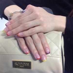 Наращивание ногтей в салоне красоты