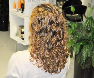Стрижка и биозавивка волос