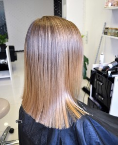 Мягкое осветление волос